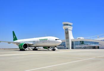 Türkmenistana täze «Boeing 777-200LR» ýolagçy uçary gelip gowuşdy